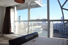 NOT TO BE MISSED!! Beautiful 3 double bed split level PENTHOUSE ¦ ON THE DOCKS! close to the Wharf!