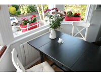 Drop-leaf table - extendable dining table - black-brown + 2 chairs (For 2-4 people)