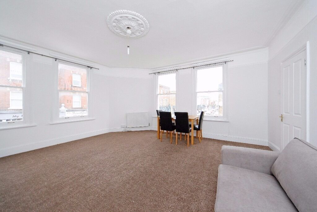 Refurbished 2 DOUBLE bedroom apt. AVAILABLE NOW. Just off Fulham Road with great transport links