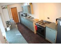 Lovely double room available in sought after West Bridgford location.