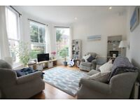 A WELL PRESNETED (2) TWO BED/BEDROOM FLAT - WITH OWN REAR GARDEN - CROUCH END - N4