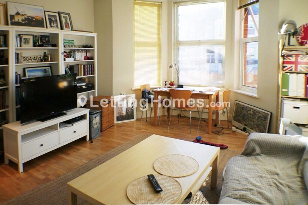 Beautiful 1 bed + Reception + Garden PET FRIENDLY flat MODERN ample storage near West Hampstead