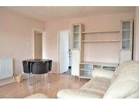 £1400pcm. Spacious two double bedroom, fifth floor apartment with stunning views over London