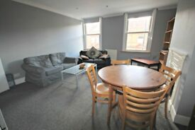 MASSIVE 3 BED FLAT MINUTES TO ZONE 2 STATION - CALL RICCARDO NOW FOR VIEWINGS!! DO NOT MISS OUT!