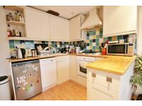 2 bed to let in Clapham North-lovely split level
