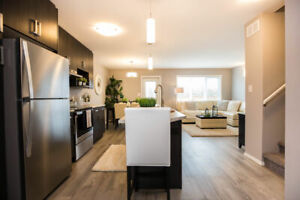 MODERN 3 BEDROOM TOWNHOUSE WITH GARAGE!