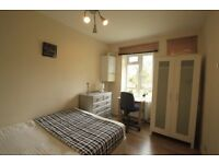 LOVELY DOUBLE ROOM TO RENT IN KILBURN AREA CLOSE TO THE TUBE STATION. 4T