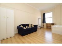 5 / 6 Bedroom Flat All Double Bedrooms Perfect for Middlesex University Students