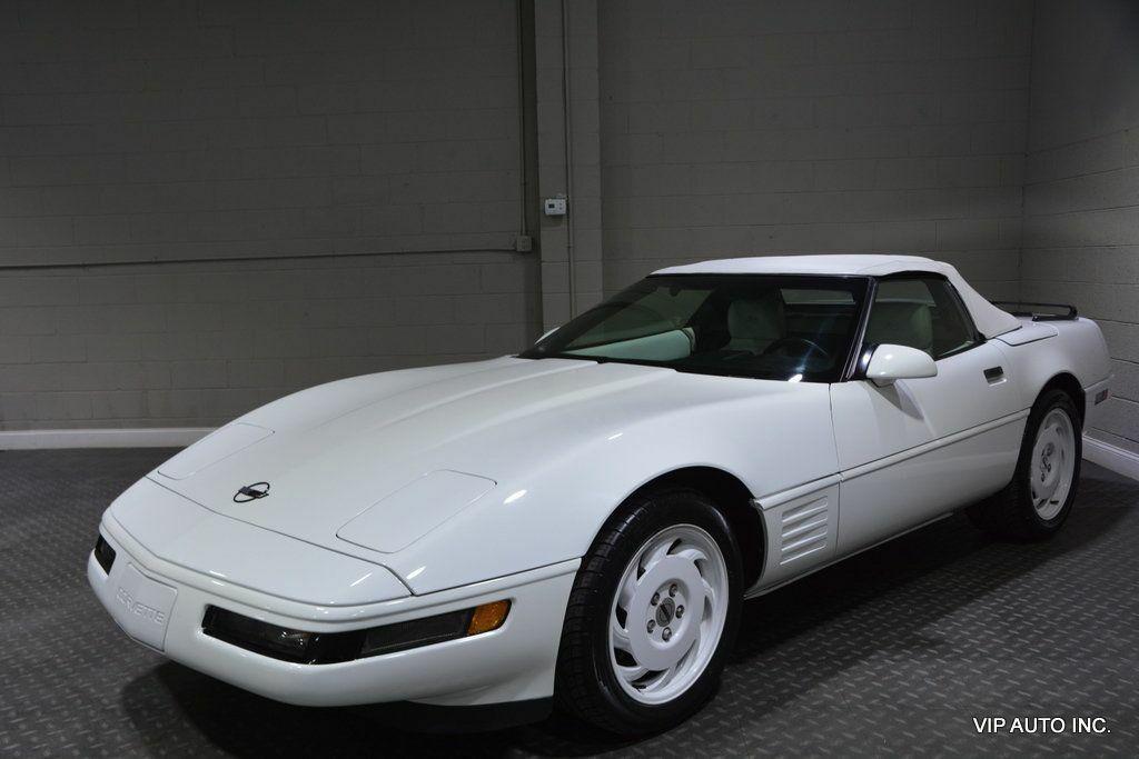 1993 White Chevrolet Corvette Convertible    C4 Corvette Photo 2