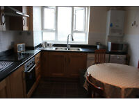Large 4 bedroom flat with 2 bathrooms (NO LOUNGE) in SE1 near Elephant & Castle Station.