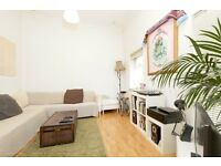 3 bedroom flat in Barnabas Road, Homerton, E9