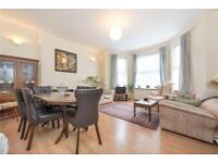 2 bedroom flat in Grove Road, Willesden Green, London, NW2