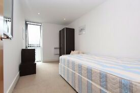 LUXURY DOUBLE ROOM-LONDON BRIDGE