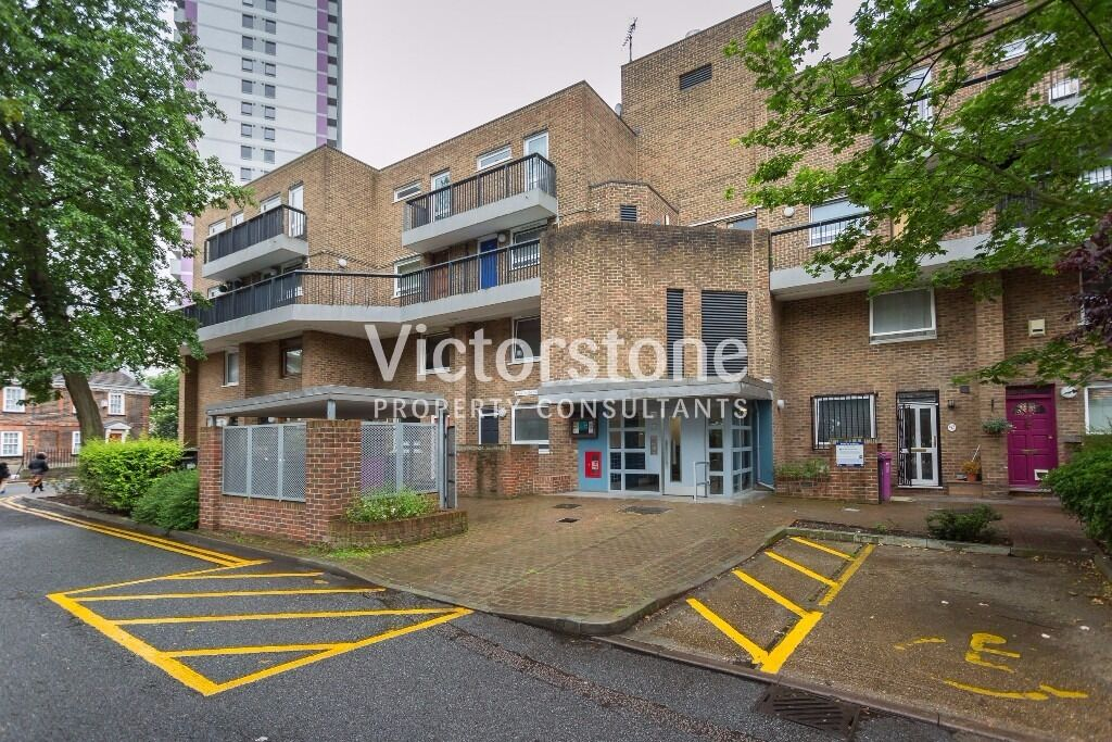 MUST SEE 2 BEDROOM APARTMENT IN BOW ROAD WILL GO VERY FAST FAIRFOOT ROAD MILE END BOW SHOREDITCH
