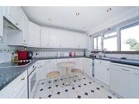 SPACIOUS 3/4 DOUBLE BEDROOM SPLIT LEVEL APARTMENT WITH BALCONY SECONDS FROM HAMPSTEAD HEATH