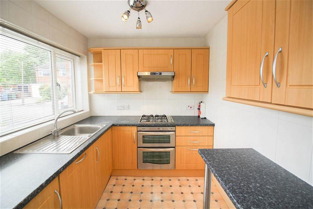 Modern and spacious 3bedroom house in Barking