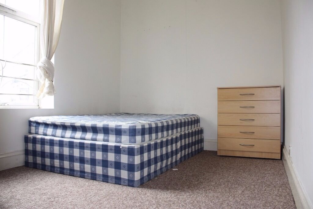 Modern studio flat to rent in clapton on Downs Road E5 8DA £225pw call now on 07432771372