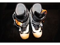 Burton Mens Snowboarding Boots and Bindings. Size 10.5. Excellent condition