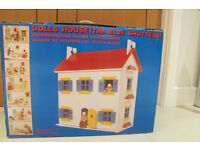 Beautiful Dolls House : Solid Wood Le Toy Van Dolls House