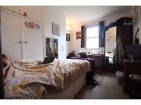 Great 4 Bed Flat Available In January On The Lively Gloucester Road