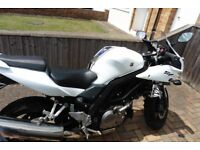Suzuki SV650s - White/Blue, service history, excellent condition - £3000