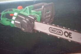QUALCAST 2000w electric chainsaw.