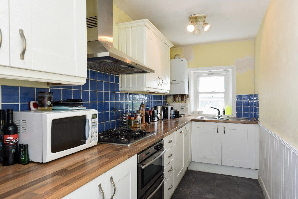 BRO - A lovely two double bedroom flat to rent located on a lovely quiet tree lined street.