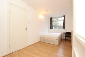 🌼 Island Gardens • Double Room • Available Now • 0 Deposit Available •