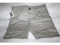 Charles Wilson mens cargo shorts, size small BNWT