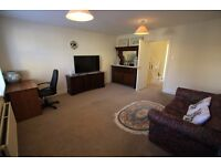 A LOVELY DOUBLE ROOM IN FANGTASTIC HOUSE weekly from monday to friday ( WIMBLEDON CENTRAL )