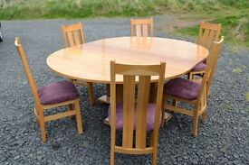 OAK DINING TABLE AND 6 CHAIRS (EXTENDING)