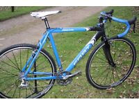 Gents cyclocross bike 56cm with nearly new wheels.