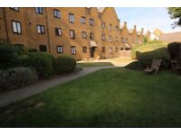 Wapping E1W. Light & Spacious 2 Bed Furnished Flat on Canal Front near Station