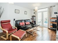 2 bedroom flat in Ivy Street, Shoreditch, N1