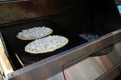 Flammkuchen frisch vom Grill – lecker!