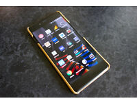 Oneplus X - Onyx (Black) - 16GB - Fully working and excellent condition with bamboo case