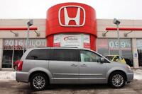 2015 Chrysler Town & Country Touring- 7 PASSENGER + LEATHER & MO