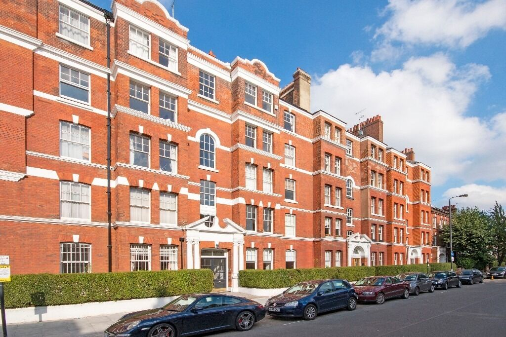 Lovely 800+sqf two bed in an amazing location - £392pw- Battersea