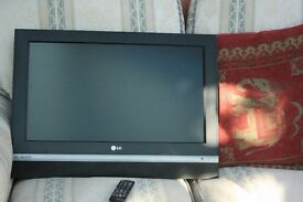 """LG HD LCD 26"""" Television HDMI LG 26LC2R"""