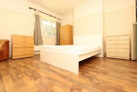 🆕SUPER OFFER FOR COUPLE IN THE HEART OF OLD STREET FOR OCTOBER- #Arden