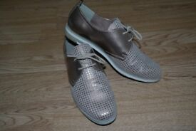 Marco Tozzi Rose Gold and Pink Brogues. Size 8 (UK)