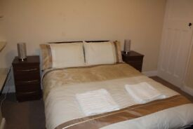 CONTRACTOR ACCOMMODATION - SHORT TERM LETS - 3 BED HOUSE - SLEEP 6