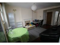 MORNINGTON CRESCENT SPACIOUS ONE BEDROOM FLAT IN VICTORIAN CONVERSION 1 MINUTE WALK TUBE AND SHOPS
