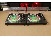 2 x Technics 1210 MK2 in good condition + lids + carts (OM ortofon) + covers + 30 vinyls