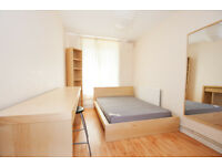 Four bedroom flat available in September near Elephant & Castle, perfect for students!