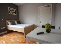 Studio flat in Harrow Road, London