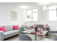 2 bedroom flat in The Strand, Liverpool, L2 (2 bed) (#925141)