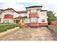4 bedroom house in Cheyne Walk, London, NW4