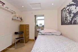**ZONE 1/2**SHADWELL**AMAZING SINGLE ROOM WITH PRIVATE BALCONY**