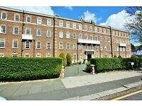 3 bedroom flat in Brampton Court, Brampton Grove, Hendon, NW4